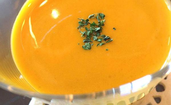 <span>無農薬かぼちゃ《万次郎》</span>熟成するとメロンや巨峰超えの糖度20度という驚愕逸品